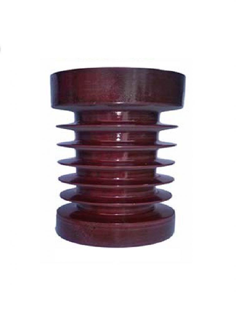 از این ها در خطوط ولتاژ بالا استفاده می شود . مثل تیر برق ها